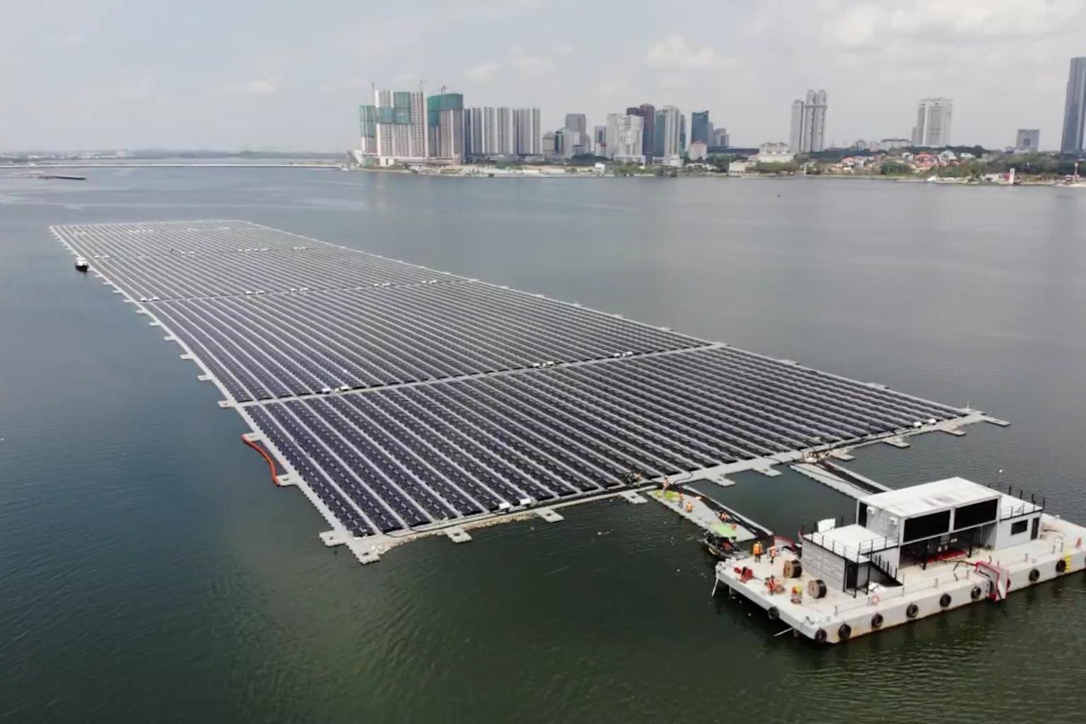 Singapores floating solar farm